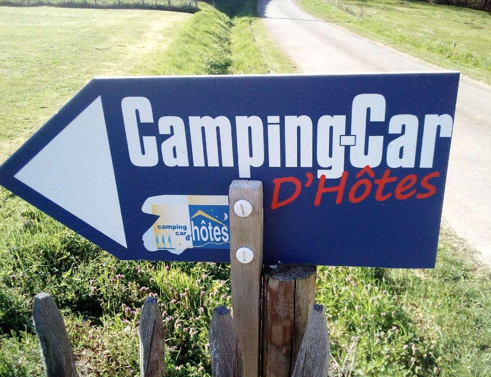 Aire camping-car à Saint-Avit-Sénieur (24440) - Photo 2